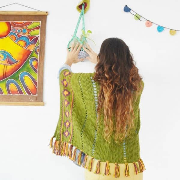 poncho boho por cecilia losada de mammadiypatterns crochet