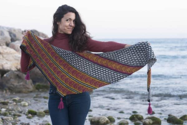 Chal Amaru triangulo asimetrico patron tricot por Cecilia Losada de mammadiypatterns