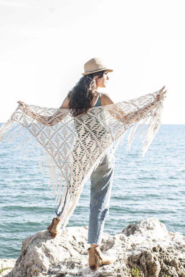 chal triangular de abajo hacia arriba en crochet