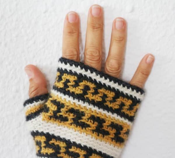 fingerless mittens tapestry crochet