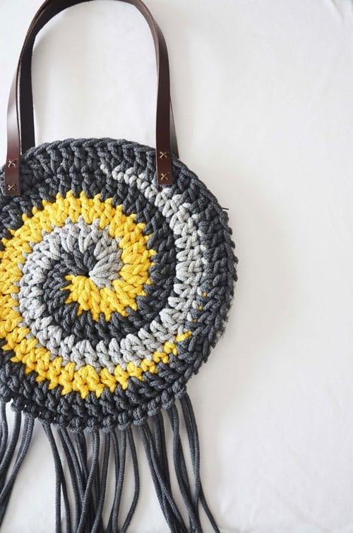mochila crochet con cremallera